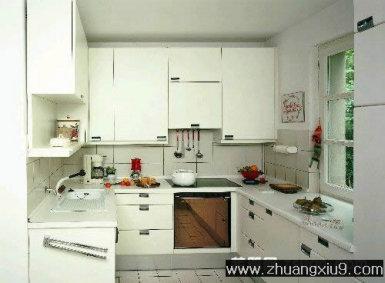 装修设计图片之厨房装修图片:白色现代欧式大户型厨房实景图